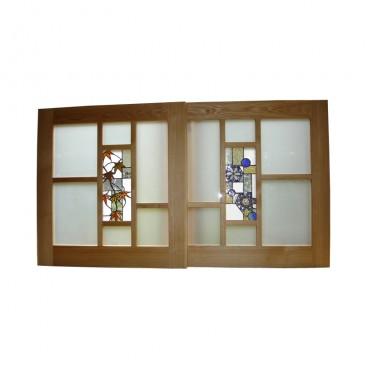 3ステンドグラスの小引き戸